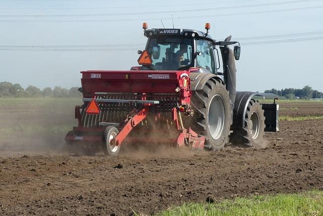 Cómo prevenir riesgos al conducir tractor
